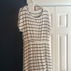 Midi stripe dress with pockets!